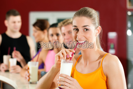 people drink protein shakes