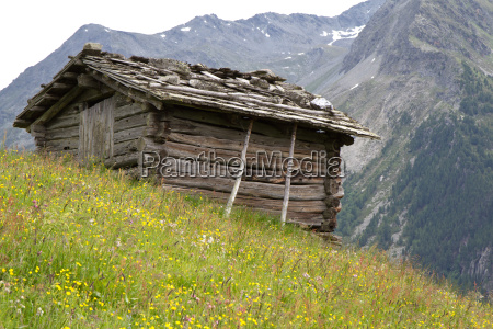 mountain hut in south tyrol