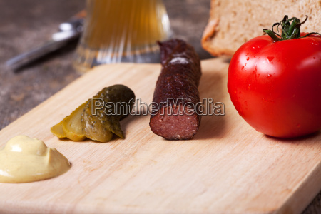 kaminwurzen senf und brot