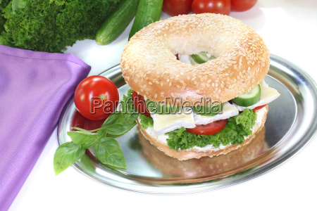 bagel with camembert