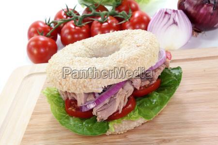 bagel with tuna