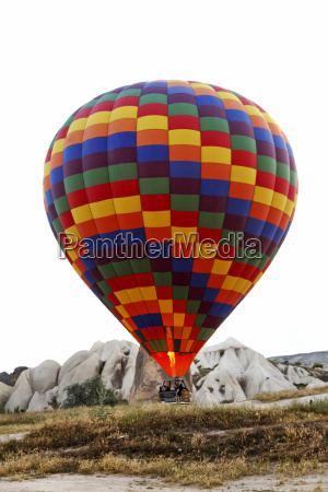 hot air balloon lift off ground