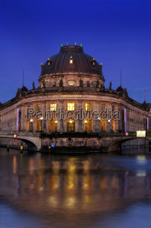 bodemuseum in the evening at the