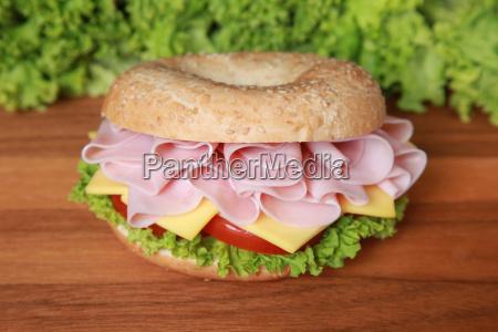 bagel with ham
