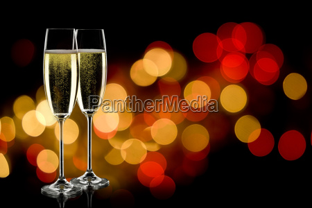 two, glasses, of, champagne - 5369563