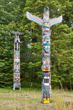 house posts totem poles