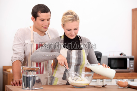 couple baking together
