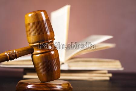 judges wooden gavel