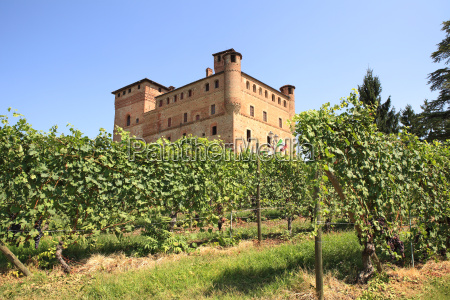 old castle of grinzane cavour as