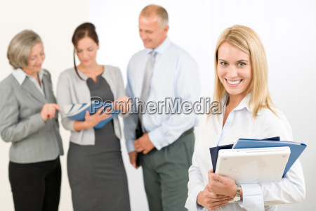 business, woman, pretty, with, colleagues, discussing - 5834127