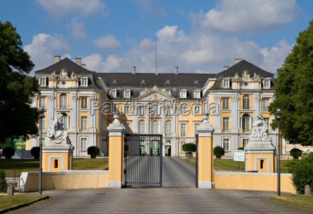 main entrance of augustusburg palace