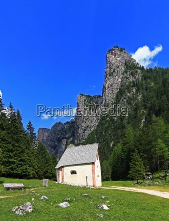 mountains hike go hiking ramble chapel
