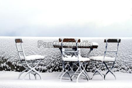 snowy seat in the garden