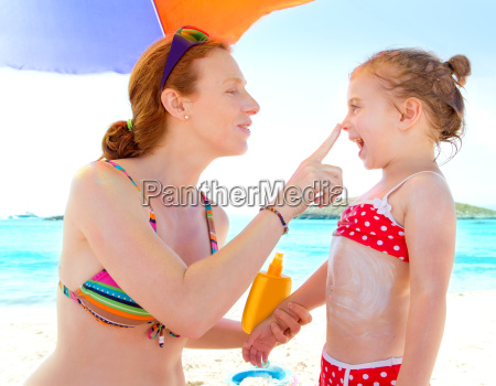 daughter, and, mother, in, beach, with - 6127896