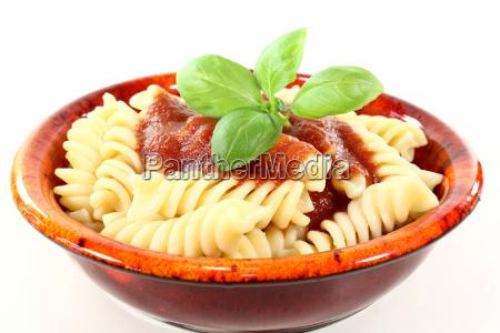 spirelli with tomato sauce