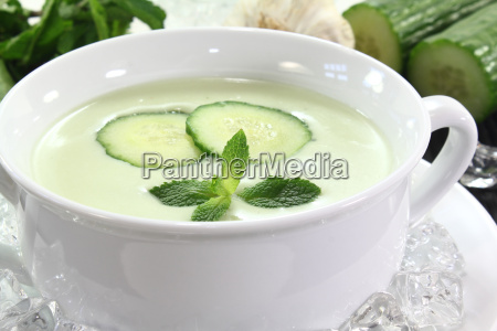 ice cooled cucumber soup with garlic