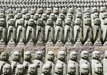 rows of jizo statues