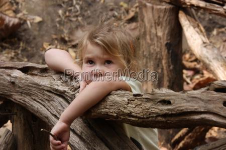 little child crying on the bridge