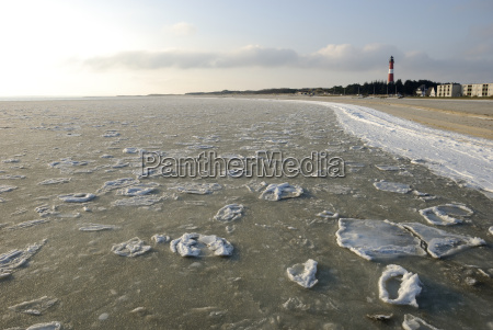 ice floes off hoernum on sylt