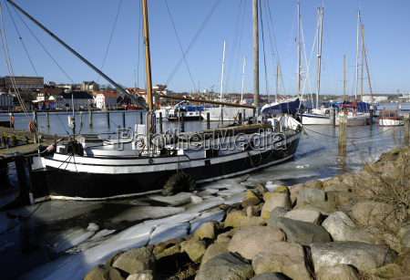 ice floes in the flensburg harbor