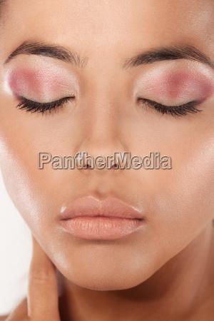 beauty shot modern eye makeup