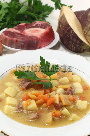 beet stew with beef