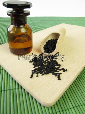 black cumin and black cumin oil