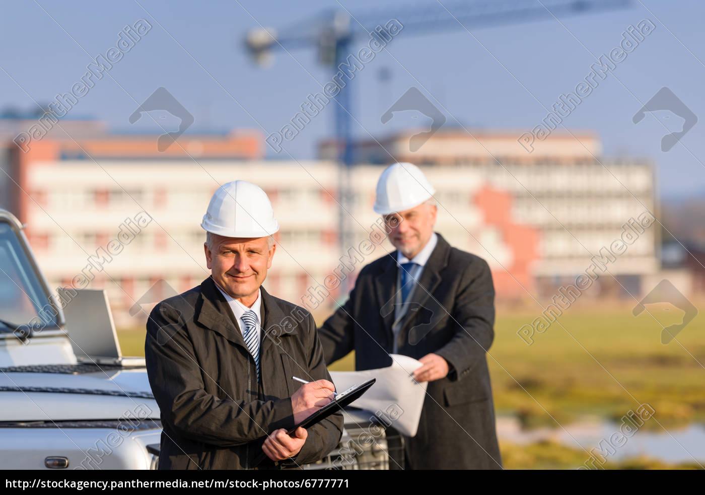 architect, man, make, notes, on, construction - 6777771