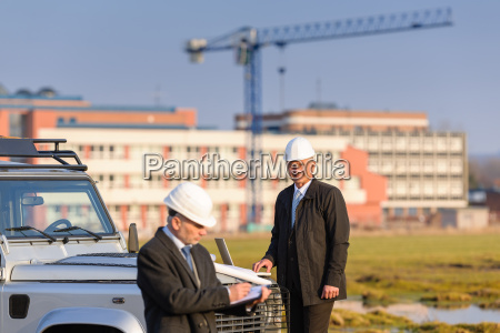 architect, man, make, notes, on, construction - 6777787