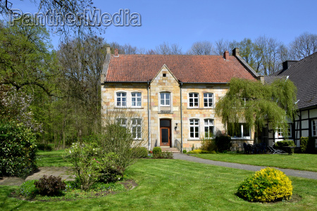 land mansion