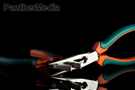 flat and needle nose pliers