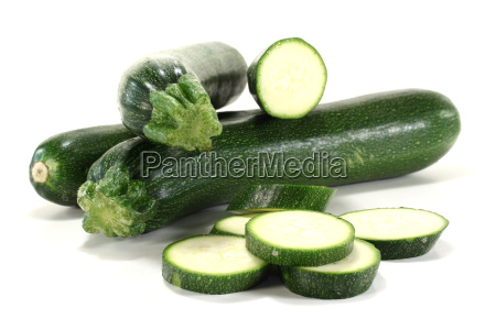 sliced u200bu200bzucchinis