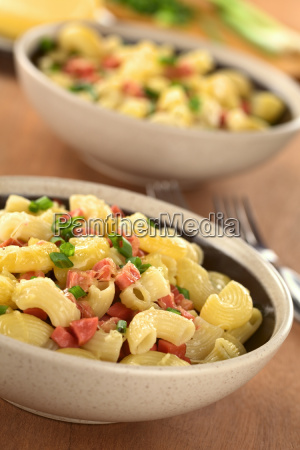 elbow pasta with sausagecheese and green