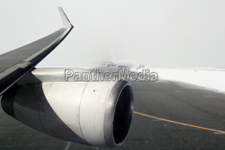 airplane wing aircraft turbine landing in