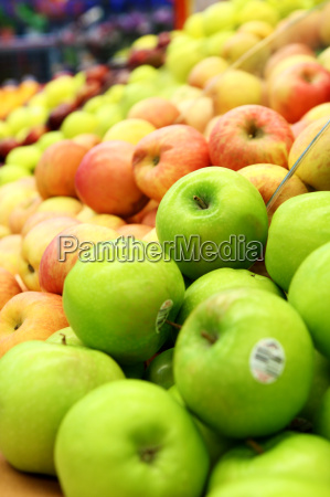 green and red apples at the