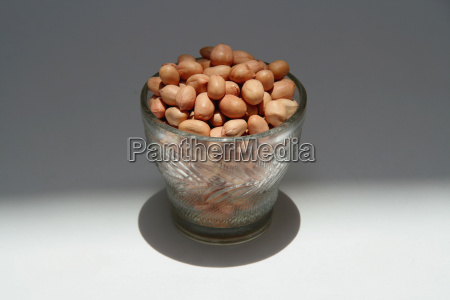 cupful of groundnuts