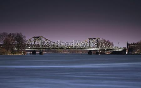 glienicke bridge march 07