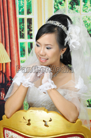asian women in wedding dress
