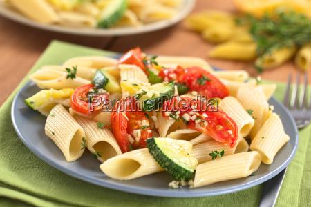 pasta with zucchini and tomato