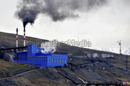 coal mining on spitzbergen in the