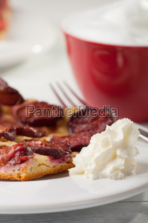 plum cake with cream