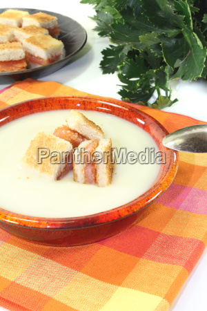 fresh celery soup with lachscroutons