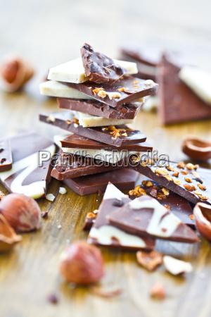 nuts nut tart dessert chocolate dark
