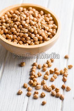 chickpeas in wooden bowl