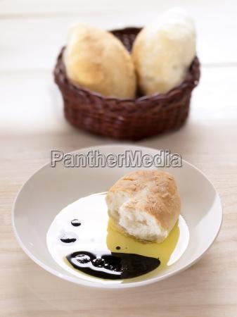 bread in olive oil balsamic vinegar