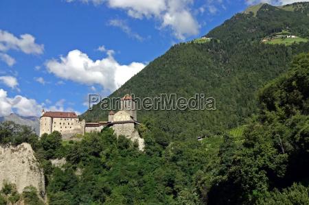 castle tyrol village tyrol south tyrol