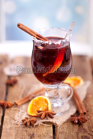 mulled wine with christmas decoration
