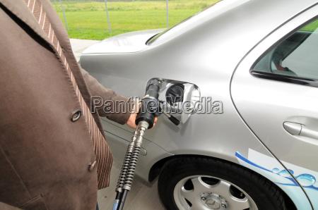 refueling hydrogen hydrogen car refuel service