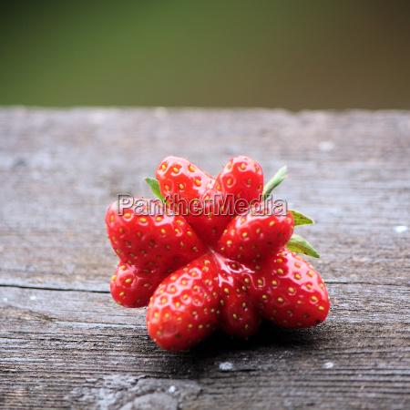 fruit strawberry berries wooden board rustical