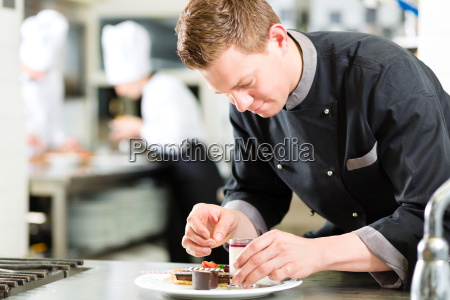 cook as pastry cooks at the